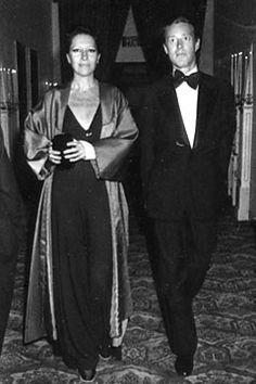 Elsa Peretti 1976 w/ Halston