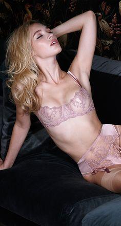 At Fleur we stock an exquisite range of luxury lingerie, luxury underwear, hosiery and sleepwear for women sizes 8 - 14. Order online today.