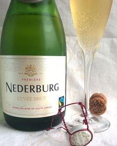 Lisää kuplia tällä kertaa Etelä-Afrikasta. @nederburgwine #sparklingwine #kuohuviini #kuohuvaa #winegeek #winelover #vin #viini #wineporn #instawine #winestagram #winelover #winegasm #primewine #winetime #herkkusuu #lasissa #foodie #foodblogger