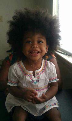 Adorable girl rockin' an afro. Beautiful Black Babies, Beautiful Children, Stylish Children, You're Beautiful, Natural Hairstyles For Kids, Natural Hair Styles, Cute Kids, Cute Babies, Babies Stuff
