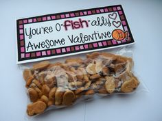 {FREE} Printable treat toppers for valentines. Just print and staple to goldfish or swedish fish in snack bags.