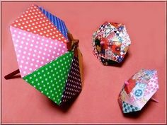 折り紙の傘を折って楽しめる日は、雨が降って子供が外で遊べない日が多いかもしれません。 【折り紙】 簡単な傘の折り方をご紹介します!折り紙なのに開閉できる?楽しんでくださいね。-カウモ