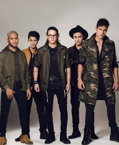from the story Mis Estúpidos Niñeros. (CNCO Y TU) by CNCOHistorias (Wattpad_of_cnco) with 215 reads. James Arthur, Ricky Martin, Twenty One Pilots, Brian Christopher, Cnco Richard, Memes Cnco, Latin Music, Funny Animal Memes, Celebrity Crush