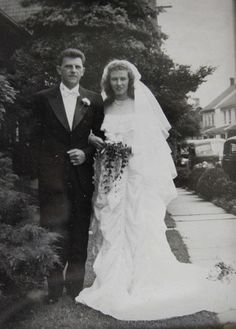 Maj. Claude and Ruth Hensinger on their wedding day in 1947. Photo via South Whitehall Patch.
