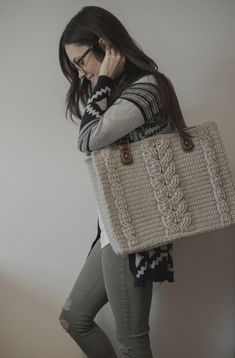 Free Crochet Pattern for the Matilda Tote - Crochet Cables Bag — Megmade with Love Crochet Cable, Free Crochet, Crochet Purses, Crochet Bags, Crochet Baskets, Bag Pattern Free, Crochet Cushions, Crochet Diagram, Crochet Patterns For Beginners