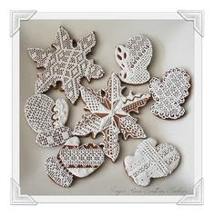 Gingerbread Needlepoint Mitts & Snowflakes | Cookie Connection