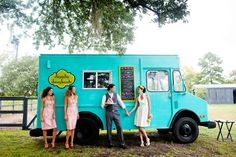 LulaKate // food truck in field