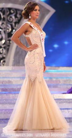 Marine Lorphelin _ Miss World
