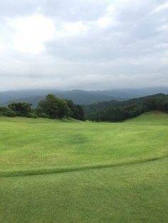 筑紫ヶ丘ゴルフクラブにてライオンズの先輩達とゴルフでしたぁo  雨も降らずで良かったです 少しずつ上達してる感じです笑  ニアピン賞貰ったよ( ω )  #筑紫ヶ丘ゴルフ #ゴルフ tags[福岡県]