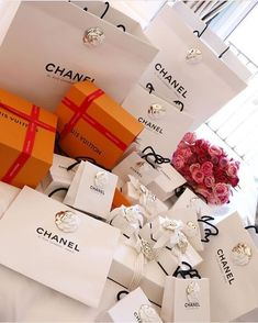 Boujee Lifestyle, Luxury Lifestyle Fashion, Money On My Mind, Birthday Goals, Rich Girl, Luxury Gifts, Dream Life, Girly Things, Personal Shopping