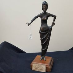 Curiosity Shop, Craft Sale, Buddha, Arts And Crafts, Bronze, Base, Statue, Antiques, Vintage