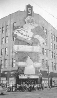 Santa on Sears building at Baronne and Common Sts. Wow!
