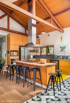 32 Ideas Wood Furniture Kitchen Home Decor Natural Wood Kitchen Cabinets, Dark Wood Kitchens, Wood Floor Kitchen, Home Kitchens, Kitchen Furniture, Kitchen Interior, Kitchen Decor, Furniture Logo, Furniture Stores