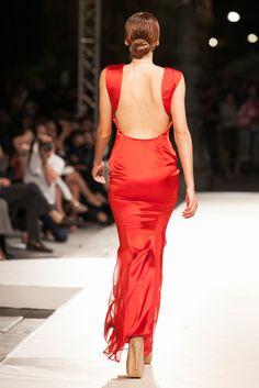 Passions, come le #passioni di Mary Randazzo: la #moda e il #tangoargentino, rappresentazione sublime di una femminilità #androgina che racchiude in sé l'armonia della #danza tra un uomo e una donna.  Tutte le info: http://www.harimag.it/23-special-guest/madeinmedi/2426-le-passions-di-mary-randazzo