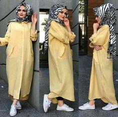 Travel Modern Hijab Fashion, Street Hijab Fashion, Islamic Fashion, Abaya Fashion, Fashion Outfits, Hijab Style Tutorial, Moslem Fashion, Mode Abaya, Hijab Chic