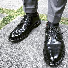 akiheimonki #alden #9901 #aldenshoes #aldenarmy #shellcordovan 2017/04/04 02:30:22 Sock Shoes, Men's Shoes, Shoe Boots, Shoes Sneakers, Dress Shoes, Alden Cordovan, Cordovan Shoes, Leather Men, Leather Shoes