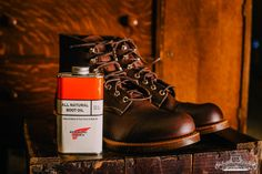 Red Wing Leather Boot Model No8111 Iron Ranger in Amber Harness Leather Two tone look with all natural boot oil