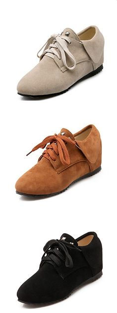 42e590923b It s all about comfort! The combination of style and comfort in these  casual fleece sneakers