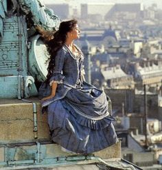 One of my favourite photos of Sarah Brightman. My favourite dress from Phantom too.