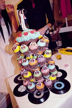 rock n roll wedding cupcakes