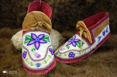 Moccasins - Fully Beaded - White/Lilac Flowers – Shop Wanuskewin