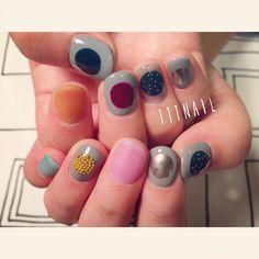⚪️⚫︎⭕️⚪️⚫️ #nail#art#nailart#ネイル#ネイルアート#round#random#colorful#ショートネイル#ネイルサロン#nailsalon#表参道#metallic111