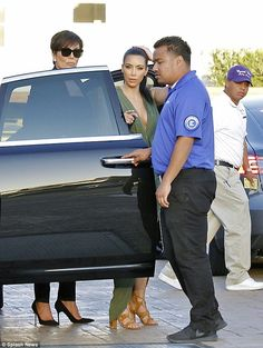 Put your best foot forward in Kim's tan sandals #DailyMail