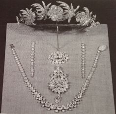 The Sitwell Family Diamonds. Exhibited in the 1930's - unusual floral tiara
