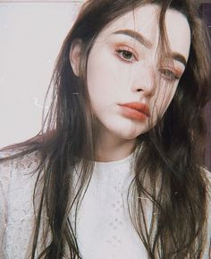 Aesthetic People, Aesthetic Girl, Poses, Pretty People, Beautiful People, Girl Fashion Style, Woman Style, Cute Beauty, Girl Inspiration