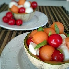 Caprese Salad, Fruit Salad, Jus D'orange, Olives, Vegetables, Melons, Food, Cherry Tomatoes, Salads