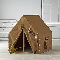 After a hard day of exploring the playroom, any little trailblazer will find our Explorer Kids Playhouse a welcome addition. It features a classic campground style, roomy pockets and a pine frame.