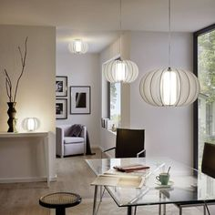 Αν θέλετε να προσθέσετε πολυτέλεια στο χώρο σας, επιλέξτε το φωτιστικό οροφής Stellato της εταιρείας Eglo. Διακοσμήσετε οποιονδήποτε χώρο και να δημιουργήσετε ευχάριστη ατμόσφαιρα. Ολοκληρώστε τον φωτισμό του σπιτιού σας επιλέγοντας ένα εντυπωσιακό φωτιστικό εξαιρετικής ποιότητας και κατασκευής.