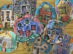 Kindergarten Clay Houses using clay, construction paper crayons, and black tempera. Clay Projects For Kids, Kids Clay, Kindergarten Art Lessons, Art Lessons Elementary, Alphonse Mucha, Tempera, 2 Kind, Clay Houses, Ceramics Projects