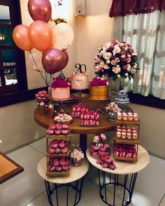 20 year old woman party Birthday Goals, 28th Birthday, Adult Birthday Party, Birthday Woman, Birthday Party Decorations, Birthday Girl Pictures, 21st Party, Cake Smash Photos, Party Props