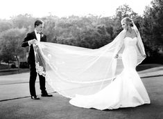 Birmingham Country Club Wedding, vintage family heirloom cathedral veil. Photo: Leslee Mitchell.