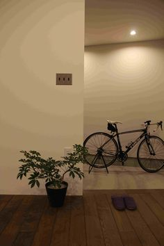 自転車が置ける広い玄関土間は、建具や仕切りなく、リビングにつながっています。 Lighting, Home Decor, Decoration Home, Room Decor, Lights, Home Interior Design, Lightning, Home Decoration, Interior Design