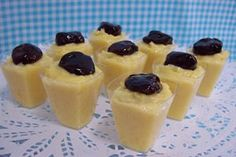 Receitas de Doces no Copinhos. Os docinhos de festas ganharam uma versão moderno. Veja as receitas e aprenda a fazer doces de copinho!