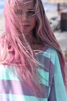 Sweet Colored Hairstyles You Can Try with Pink Hair Extensions - Grunge Hair, Soft Grunge, Swagg Girl, Pink Hair Extensions, Light Pink Hair, Hair Chalk, Indie, Pinterest Hair, Pretty Hairstyles