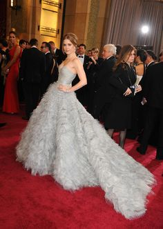 Oscars 2013 Best Dressed: Jennifer Lawrence, Amy Adams, Charlize Theron, Amanda Seyfried, Jennifer Aniston, Jennifer Hudson, Anne Hathaway and MORE red carpet looks