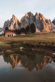 Reflection perfection. Photo by Federico De Angelis (Please don't remove the credits)