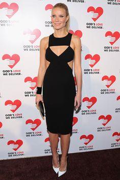 Qué vestido más complicado!! En Gwyneth Paltrow Perfecto!! y los Zapatos blancos me encantan!!