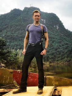 Tom Hiddleston as Captain James Conrad in Kong : Skull Island (2017) Via http://photo.weibo.com/1846858632/talbum/detail/photo_id/4203462746893786