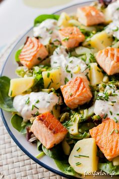 Eat Stop Eat - Salade au Saumon, Pommes de Terre et Concombre Mariné - Food for Love - In Just One Day This Simple Strategy Frees You From Complicated Diet Rules - And Eliminates Rebound Weight Gain Salade Healthy, Healthy Salads, Healthy Eating, Healthy Recipes, Eat Salade, Stop Eating, Clean Eating, Salmon Potato, Salty Foods