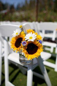sunflower aisle decor    Photography by lizlovi.com, Hair