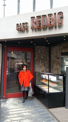 Red door @ Cafe Redbig photo 16403123_10210272150673368_2279059306618489391_o_zpsrxudnkzt.jpg