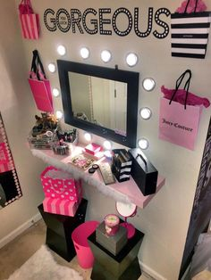 41 Beautiful Makeup Vanities Room Ideas For Stylish Bedroom Beauty Room Decor, Makeup Room Decor, Makeup Rooms, Cute Room Ideas, Cute Room Decor, Room Ideas Bedroom, Bedroom Decor, Paris Rooms, Glam Room