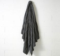 Aura Jumbo Cable 130x180cm Throw Charcoal