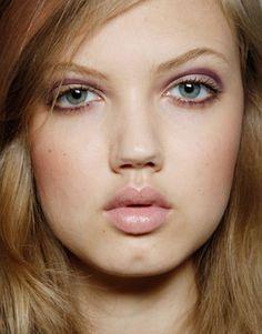 Spring 2012 Makeup Trends – Best Makeup Trends for Spring 2012 - Harpers BAZAAR