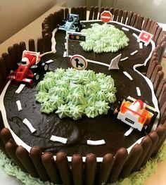 Racerbil , racerbana , tårta. Racer track cake