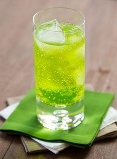 Crocodile Cooler Recipe | thedrinkkings.com #cocktails #vodka